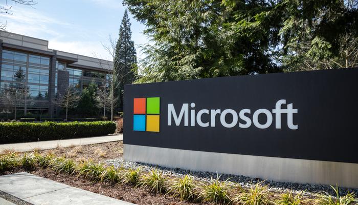 Social distancing favors tech giants