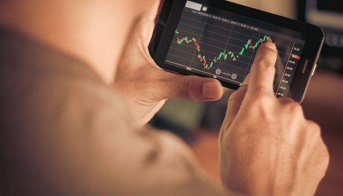 Mobile trading apps - more control for investors