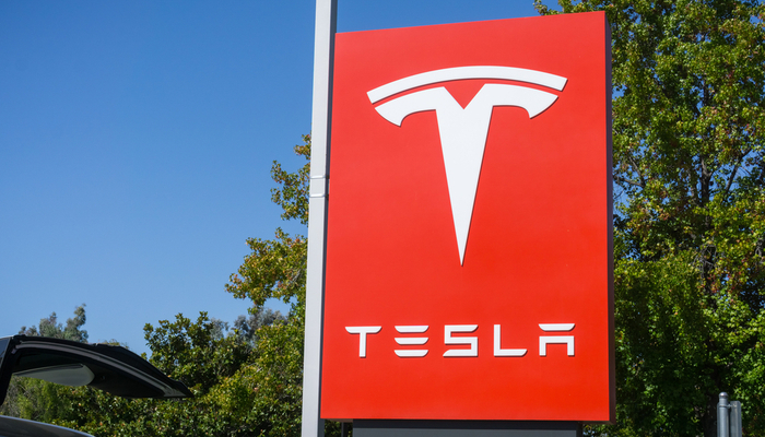Tesla breaks records at the end of the quarter
