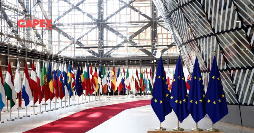 Weekend turbulence: EU Summit provides nothing more than demagoguery - Market Analysis - Special Edition - July 17