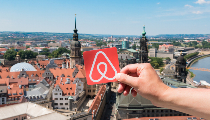 Airbnb files for IPO