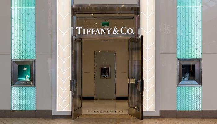 وصل صافي مبيعات تيفاني أند كومباني خلال العطلة إلى مستويات قياسية