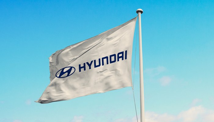 Hyundai is in preliminary talks with Apple to develop a car