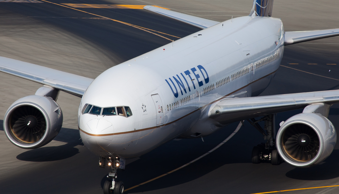 Only losses for United Airlines in Q4