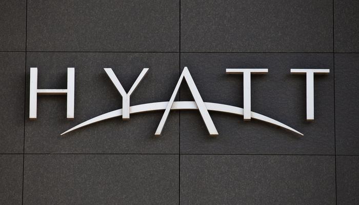 Hyatt Hotels to purchase Apple Leisure Group